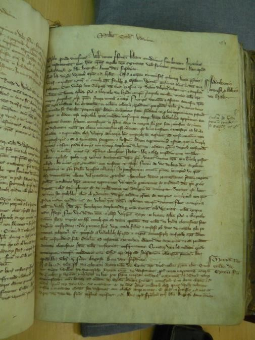Page from the register of Bishop Woodlock (Hampshire Record Office 21M65/A1/1)